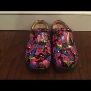 "ALEGRIA Kayla ""Love""slip on clogs 37/7.5"